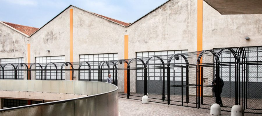Mostra-Whether-Line-a-Fondazione-Prada-Milano